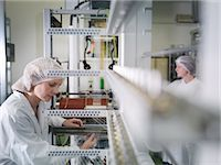 production - Technicians Weaving Medical Product Stock Photo - Premium Royalty-Freenull, Code: 649-03363336