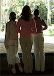 Three girls looking through window in zoo Stock Photo - Premium Royalty-Free, Artist: R. Ian Lloyd, Code: 695-03374169