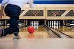 Man Bowling, Spring Hill, Florida, USA Stock Photo - Premium Royalty-Free, Artist: Bettina Salomon, Code: 600-03439252