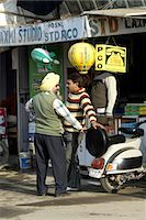 India, Punjab, phoneshop. Stock Photo - Premium Royalty-Freenull, Code: 610-03503457
