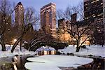 The Gapstow Bridge in Central Park after a snowstorm with skyscrapers behind at dusk, New York City, New York State, USA Stock Photo - Premium Rights-Managed, Artist: Robert Harding Images, Code: 841-03517025