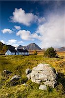 Cottage on Rannoch Moor near Buachaille Etive Mor, Highlands, Scotland, United Kingdom, Europe Stock Photo - Premium Rights-Managednull, Code: 841-03518683