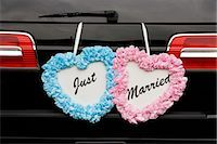 special moment - Just Married Sign on Back of Car Stock Photo - Premium Rights-Managednull, Code: 700-03520318