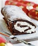 Chocolate sponge roulade for Christmas Stock Photo - Premium Royalty-Free, Artist: foodanddrinkphotos, Code: 659-03522328