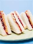 Peanut butter and jelly sandwiches Stock Photo - Premium Royalty-Free, Artist: foodanddrinkphotos, Code: 659-03530528