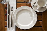 setting kitchen table - Place Setting Stock Photo - Premium Royalty-Freenull, Code: 600-03665655