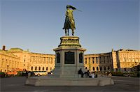 The Hofburg Palace on the Heldenplatz, Vienna, Austria, Europe Stock Photo - Premium Rights-Managednull, Code: 841-03676112