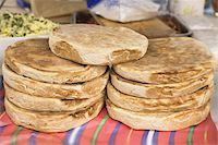 food stalls - Traditional Madeiran flat bread is cooked and served at a stall in Funchal, Madeira, Portugal, Europe Stock Photo - Premium Rights-Managednull, Code: 841-03677207