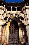 Hathi Pol,or elephant gate,marks the main entrance to Bundi's imposing Rajput palace. Stock Photo - Premium Rights-Managed, Artist: AWL Images, Code: 862-03711894
