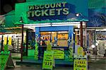 Orlando, Florida, USA. A discount ticket booth selling tickets to atractions in Florida Stock Photo - Premium Rights-Managed, Artist: AWL Images, Code: 862-03714179