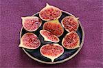 Fresh figs cut in half Stock Photo - Premium Royalty-Free, Artist: Noam, Code: 652-03804419