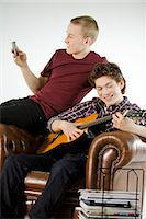Two teenagers hanging out. Stock Photo - Premium Royalty-Freenull, Code: 6102-03904657