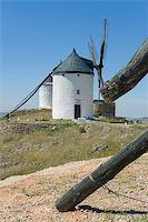 Windmills in Consuegra city, Toledo (Spain) Stock Photo - Royalty-Freenull, Code: 400-04066912