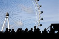 bus full of tourists watching the london eye Stock Photo - Royalty-Freenull, Code: 400-04439009
