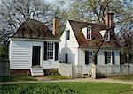 Small Cape Cod style house with end chimney, Williamsburg, Virginia. 18th Century Stock Photo - Premium Rights-Managed, Artist: Arcaid, Code: 845-04827095