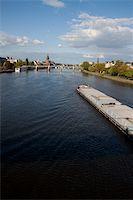 puentes - Streets of Frankfurt Stock Photo - Royalty-Freenull, Code: 400-05350270
