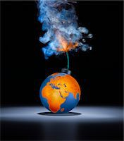 fragile - World Bomb Middle East with lit fuse. Stock Photo - Premium Royalty-Freenull, Code: 6106-05440283