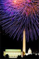 Fourth of July celebration with fireworks exploding over the Lincoln Memorial, Washington Monument and U.S. Capitol, Washington D.C. Stock Photo - Premium Royalty-Freenull, Code: 6106-05472357