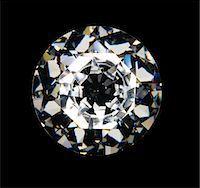 Diamond on black background, overhead view Stock Photo - Premium Royalty-Freenull, Code: 6106-05505934