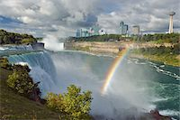 USA, New York, American Falls with Ontario, Canada visible in distance Stock Photo - Premium Royalty-Freenull, Code: 6106-05539811