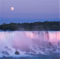 USA, New York, moon over American Falls at dusk Stock Photo - Premium Royalty-Freenull, Code: 6106-05539816