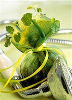 Herb sachet and shower head Stock Photo - Premium Royalty-Freenull, Code: 689-05610179
