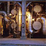 Machinery at oil refinery Stock Photo - Premium Royalty-Freenull, Code: 6106-05630682