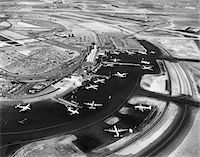 1950s AERIAL OF IDLEWILD AIRPORT NOW JOHN F. KENNEDY AIRPORT NEW YORK TERMINAL BUILDING Stock Photo - Premium Rights-Managednull, Code: 846-05645908