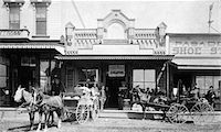 1880s - 1885 GROUPS OF MEN STANDING NEXT TO HORSE DRAWN CARRIAGES BUGGIES IN FRONT OF SHOPS ON NORTH SIDE OF COLORADO STREET PASADENA CALIFORNIA USA Stock Photo - Premium Rights-Managednull, Code: 846-05645917