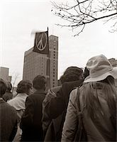 right - 1960s - 1970s CROWD OF YOUNG PEOPLE IN CIVIL DISOBEDIENCE PROTEST DEMONSTRATION AGAINST VIETNAM WAR Stock Photo - Premium Rights-Managednull, Code: 846-05646180