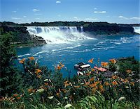 1990s AMERICAN FALLS FROM CANADIAN SIDE NIAGARA FALLS NEW YORK Stock Photo - Premium Rights-Managednull, Code: 846-05647561