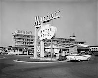 popping (bursting not corks or pimples) - 1950s - 1960s MARRIOTT MOTOR HOTEL MOTEL SIGN AND BUILDING Stock Photo - Premium Rights-Managednull, Code: 846-05647675
