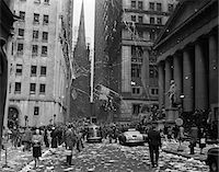 1940s NEW YORK CITY WALL STREET TICKER TAPE PARADE CELEBRATION OF E-E DAY VICTORY IN EUROPE MAY 8 1945 Stock Photo - Premium Rights-Managednull, Code: 846-05647992