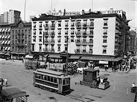 1910s - 1916 THE EASTERN HOTEL NEW YORK CITY AT SOUTH FERRY LOWER MANHATTAN WITH AN EDISON STREET CAR Stock Photo - Premium Rights-Managednull, Code: 846-05648001