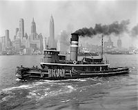 1940s TUGBOAT ON HUDSON RIVER WITH NEW YORK CITY SKYLINE IN SMOKEY BACKGROUND OUTDOOR Stock Photo - Premium Rights-Managednull, Code: 846-05648349