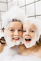 preteen girls bath - Children playing with bubbles in bath Stock Photo - Premium Royalty-Freenull, Code: 649-05656938