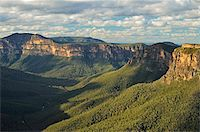 View of Grose Valley, Blue Mountains, Blue Mountains National Park, UNESCO World Heritage Site, New South Wales, Australia, Pacific Stock Photo - Premium Rights-Managednull, Code: 841-05783601