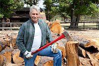 forestry - Portrait of senior lumber jack holding an axe Stock Photo - Premium Royalty-Freenull, Code: 693-05794380