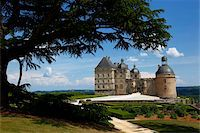 fantastically - Chateau de Hautefort, Dordogne Valley, Aquitaine, France, Europe Stock Photo - Premium Rights-Managednull, Code: 841-05794689