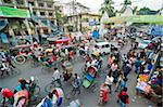 Busy rickshaw traffic on a street crossing in Dhaka, Bangladesh, Asia Stock Photo - Premium Rights-Managed, Artist: Robert Harding Images, Code: 841-05794829
