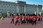 Changing of the Guard, Buckingham Palace, London, England, United Kingdom, Europe Stock Photo - Premium Rights-Managed, Artist: Robert Harding Images, Code: 841-05795599