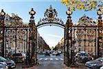 Park Gate and Arc de Triomphe, Paris, France Stock Photo - Premium Rights-Managed, Artist: Damir Frkovic, Code: 700-05803138
