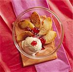 Roast apples with redcurrant jelly and vanilla ice cream Stock Photo - Premium Royalty-Freenull, Code: 652-05807516