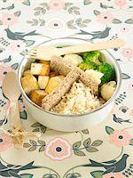 smoked - Smoked tofu,broccoli and cauliflower Bento,steamed basmati rice Stock Photo - Premium Royalty-Freenull, Code: 652-05807806