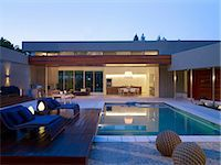 Swimming pool of detached Menlo Park Residence, California, USA. Architects: Dumican Mosey Architects Stock Photo - Premium Rights-Managednull, Code: 845-05838199