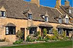 Cottages, High Street, Broadway, Worcestershire, The Cotswolds, England, United Kingdom, Europe Stock Photo - Premium Rights-Managed, Artist: Robert Harding Images, Code: 841-05845795