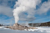 Castle Geyser erupting in winter landscape, Yellowstone National Park, UNESCO World Heritage Site, Wyoming, United States of America, North America Stock Photo - Premium Rights-Managednull, Code: 841-05847790