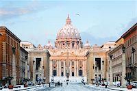Via della Conciliazione and St Peter's Basilica in Winter, Rome, Lazio, Italy Stock Photo - Premium Rights-Managednull, Code: 700-05948127