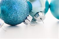 Blue christmas baubles Stock Photo - Premium Royalty-Freenull, Code: 614-05955769