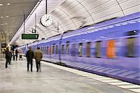 platform - Subway station Stock Photo - Premium Royalty-Freenull, Code: 698-05959158